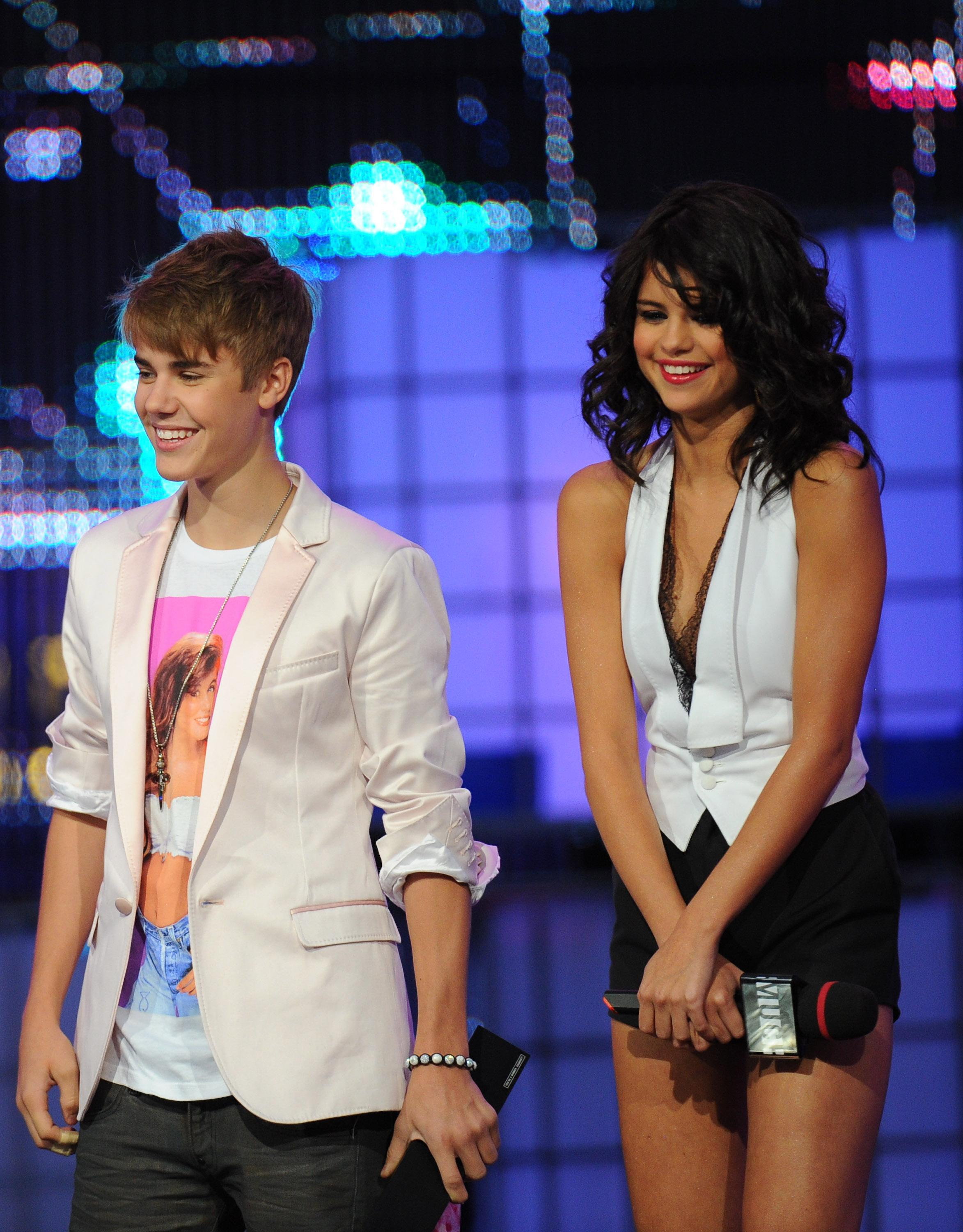 Justin Bieber and Selena Gomez' lazy date on a yacht