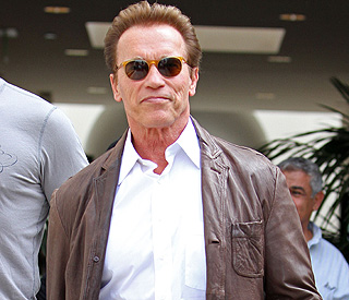 Arnold looks to reignite Hollywood career in a Western