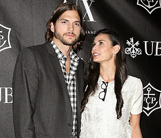 Ashton Kutcher 'still smitten' with wife Demi