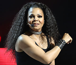 Janet Jackson will not attend Michael's tribute