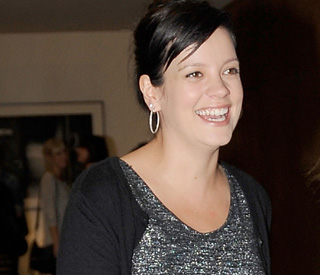 Lily Allen tweets excitement over forthcoming baby