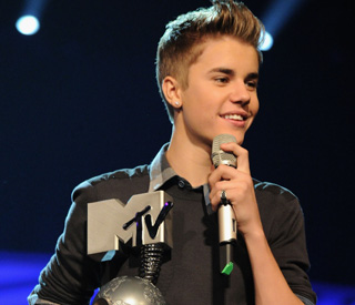 Triumphant Justin Bieber puts paternity claim to rest