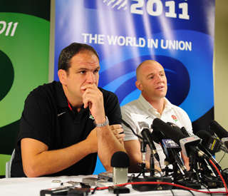Mike Tindall's team manager Martin Johnson resigns