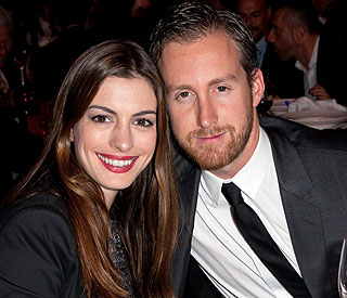 Anne Hathaway engaged to jeweller beau