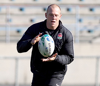 Mike Tindall reinstated into England squad