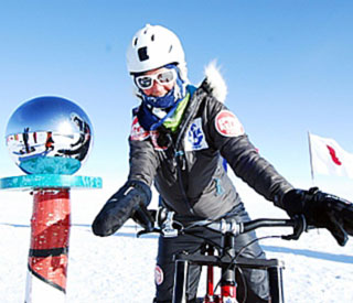 'Blue Peter's Helen Skelton sets South Pole record