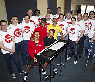JLS teach England rugby stars to sing