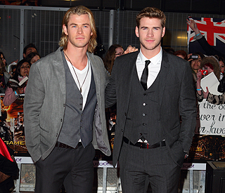 Chris Hemsworth supports little bro Liam at film premiere