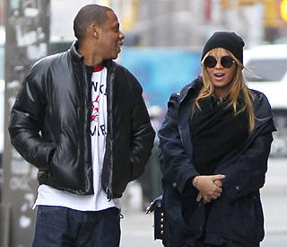 Jay Z spotted buying jewels ahead of anniversary
