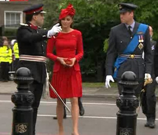 Kate chooses regal red for royal barge