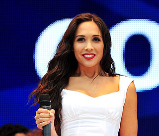 Newly-single Myleene puts on brave face at concert