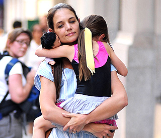Katie Holmes moves out of Tom Cruise's apartment