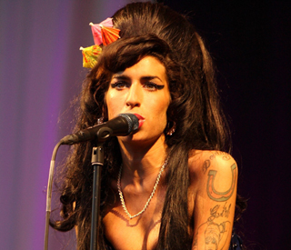 Amy Winehouse's foundation gets boost from eBay