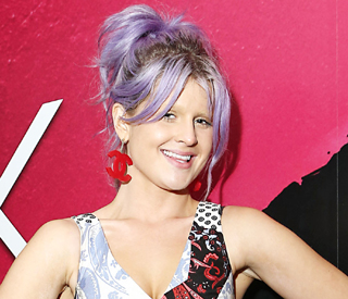 Kelly Osbourne shows off her bleached eyebrows
