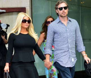 Jessica Simpson celebrates post-baby weight loss