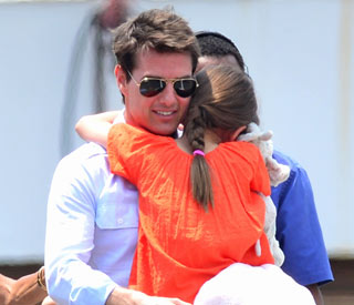 Tom Cruise to sue magazine over Suri articles