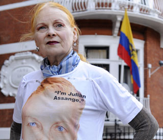 Vivienne Westwood dines with Julian Assange