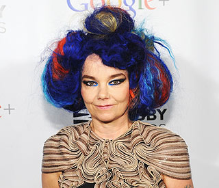 'Vocal surgery rocks,' says Bjork after op
