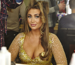 Lauren Goodger frozen out for phone use