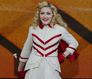Madonna sells costumes for Superstorm Sandy victims