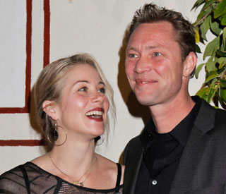 Christina Applegate finally ties the knot