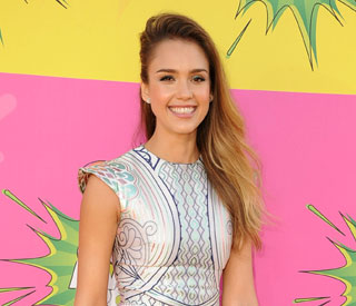Jessica Alba is a big fan of 'One Direction'