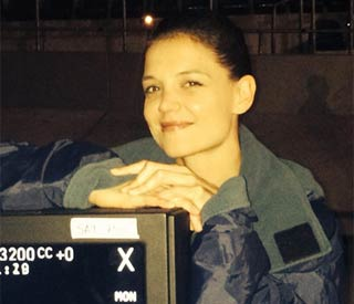 Katie Holmes tweets photo from set of new film