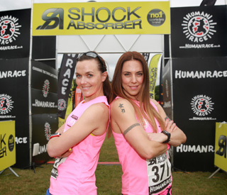 Victoria Pendleton and Mel C battle it out in triathlon