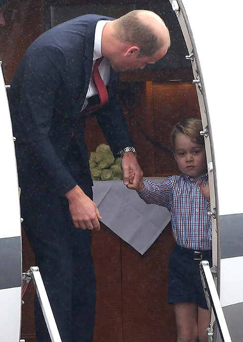 prince-george-doesnt-want-to-get-off-airplane-in-poland