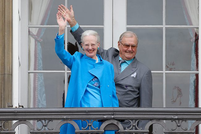queen-margrethe-of-denmark-and-prince-henrik-on-palace-balcony