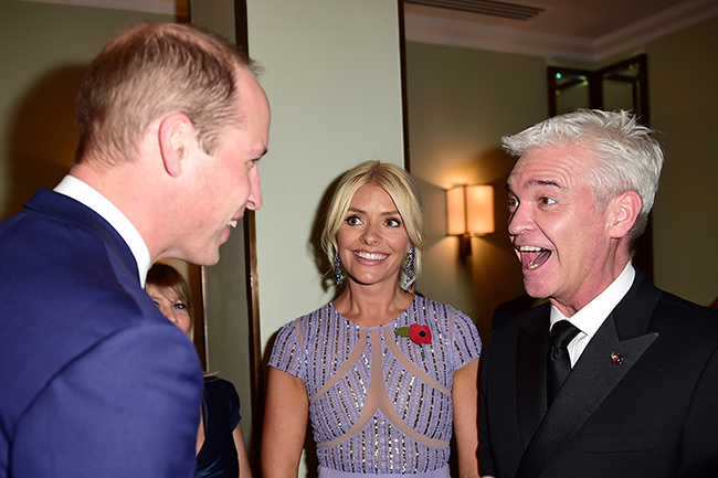 holly-willoughby-and-phillip-schofield-meet-prince-william-at-pride-of-britain-awards-2z