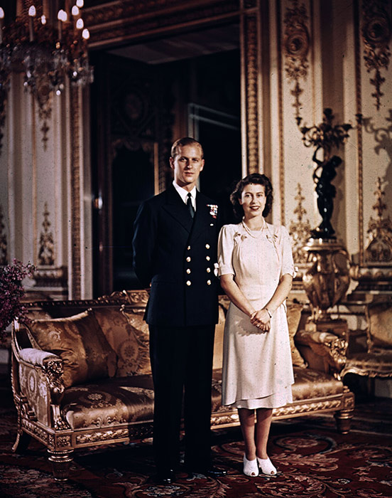 the-queen-prince-philip-engagement-photo