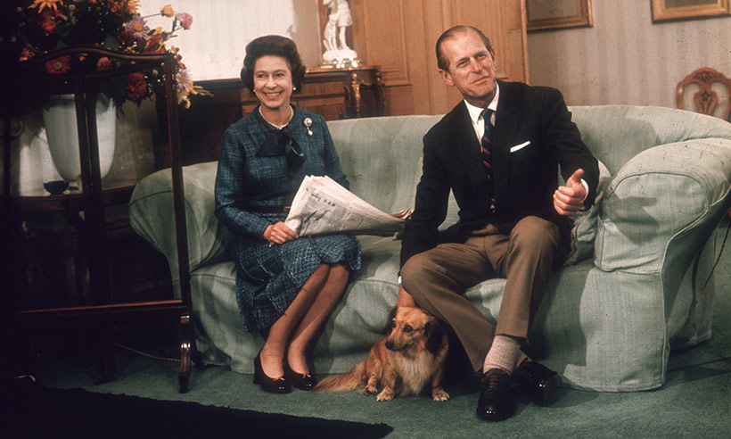 the-queen-prince-philip-sofa