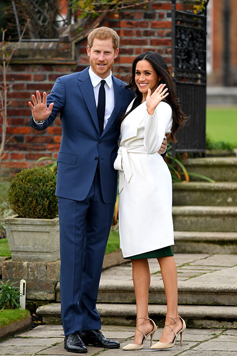 prince-harry-meghan-wave