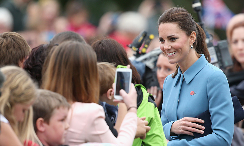 kate-middleton-crowds1
