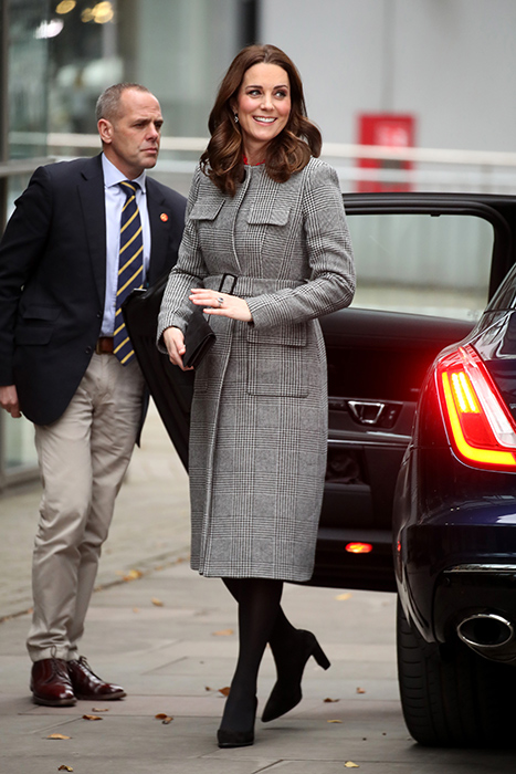 kate-middleton-tweed-coat-manchester