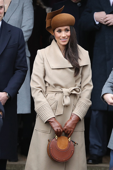 meghan-markle-brown-gloves-christmas-day
