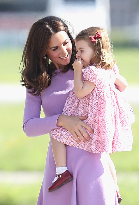 kate-middleton-and-princess-charlotte-on-royal-tour-of-germany-and-poland
