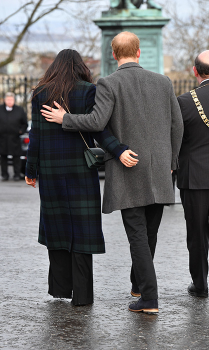 meghan-markle-prince-harry-hands-edinburgh