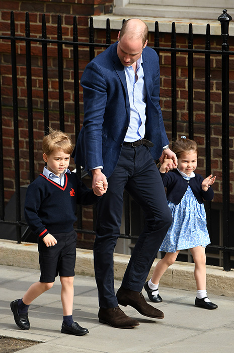 princess-charlotte-smiles-lindo-wing