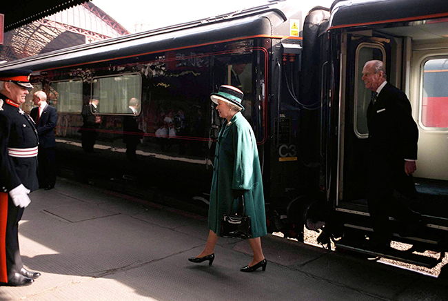 the-queen-and-prince-philip-royal-train