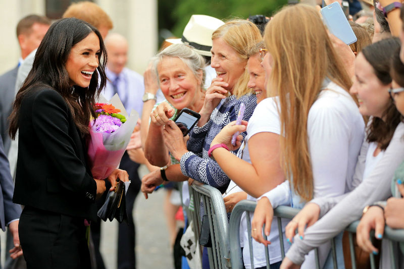 meghan markle with fans ireland