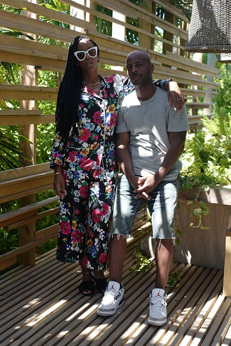 Kelly-Rowland-with-Husband-Tim-Weatherspoon-at-Booking