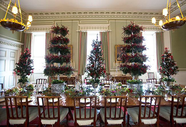 palace-of-holyroodhouse-at-christmas