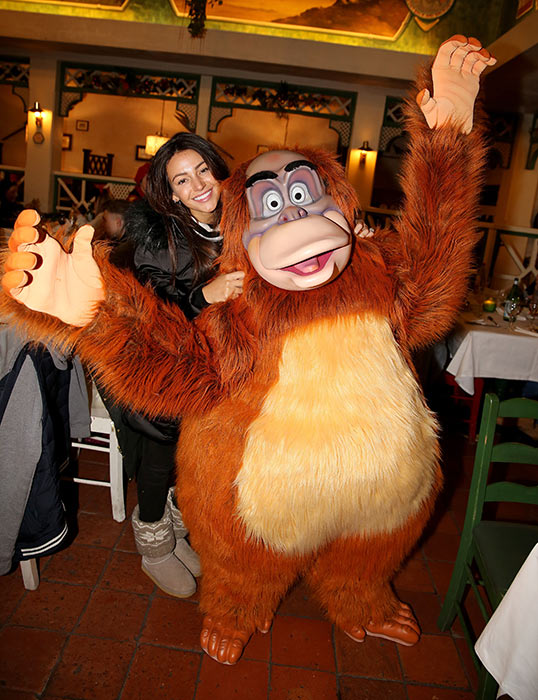 Michelle-Keegan-Disneyland-Paris