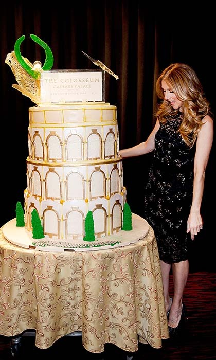 Caesars Palace Marked Celine S 10th Anniversary In 2017 With A Larger Than Life Cake