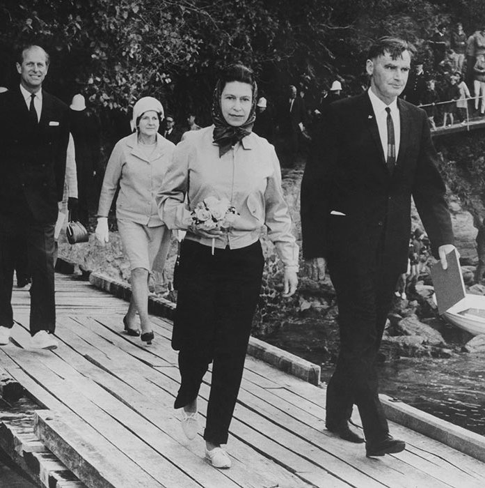 "<p>Her Majesty looked elegant in some slim-fit black trousers back in 1970. She was on a royal tour of New Zealand with her husband the <a href=""https://ca.hellomagazine.com/tags/0/prince-philip""><strong>Duke of Edinburgh</strong></a>.</p>