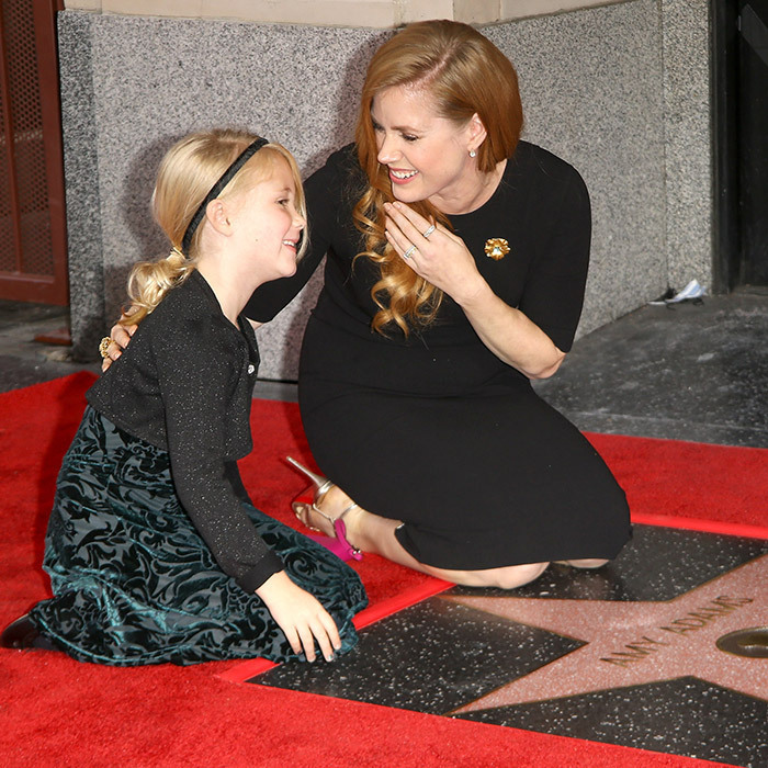 <p>Amy Adams had a giggle with her daughter, Aviana Olea Le Gallo, as the actress was honoured with a star in January 2017.</p>