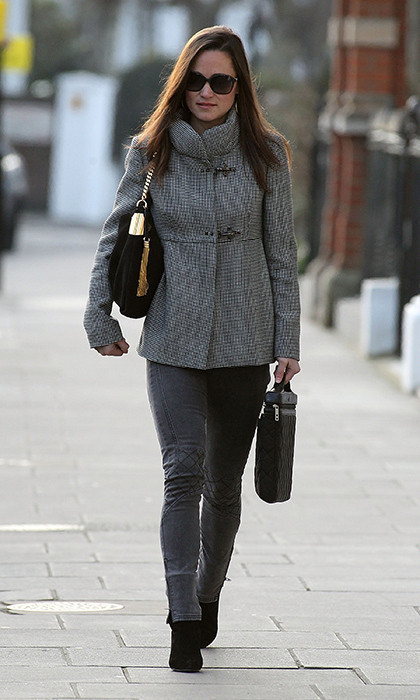 Pippa bundled up and paired her gray skinnies with a gray coat for a chic monochromatic look.