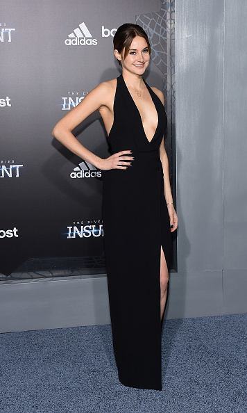 Shailene Woodley Stuns In Sexy Black Dress At Insurgent